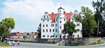Schloss Schönfeld im Sommer